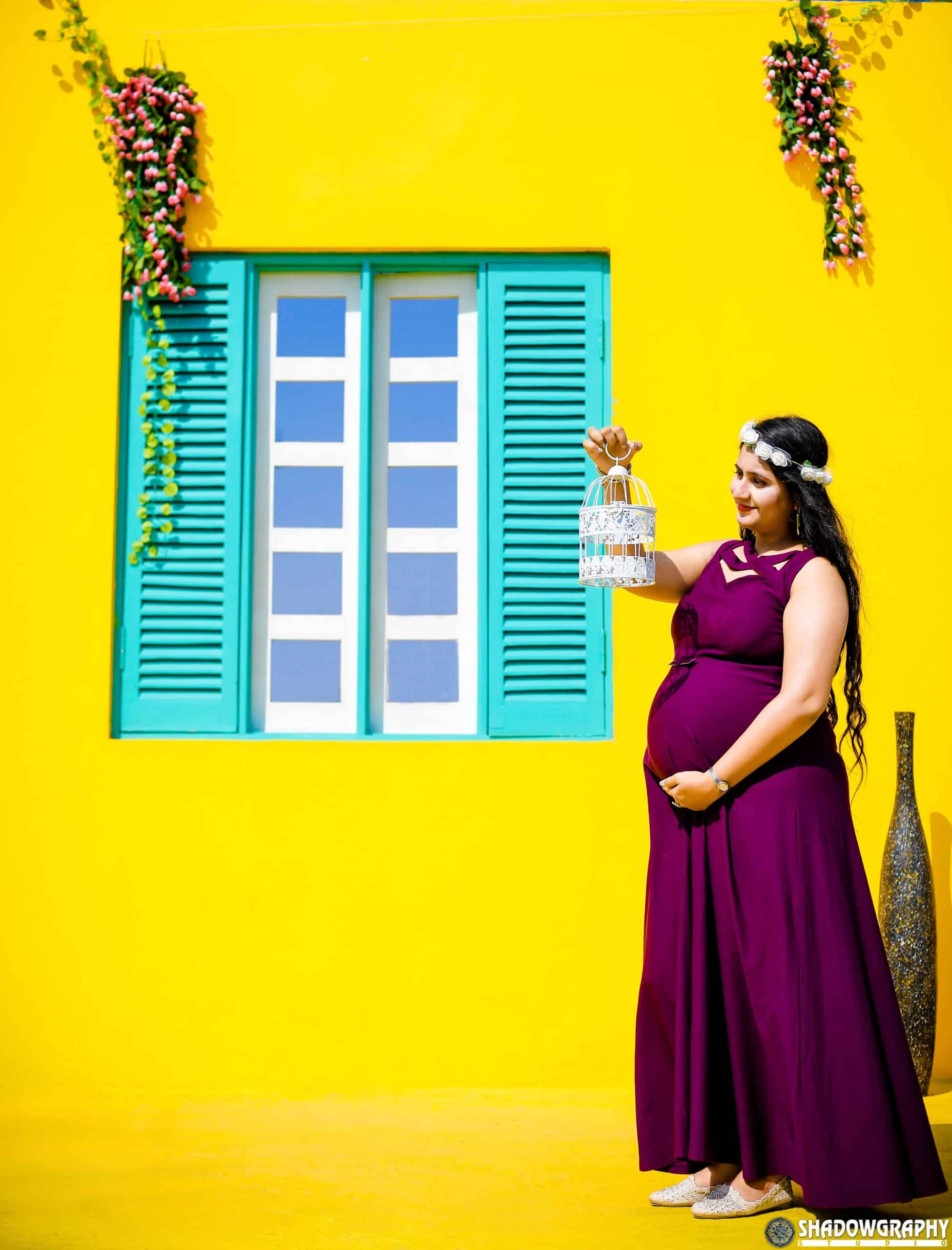 maternity shoot in Indore, maternity photographer in Indore, maternity shoot near me, maternity photographer, Pregnancy shoot in Indore,